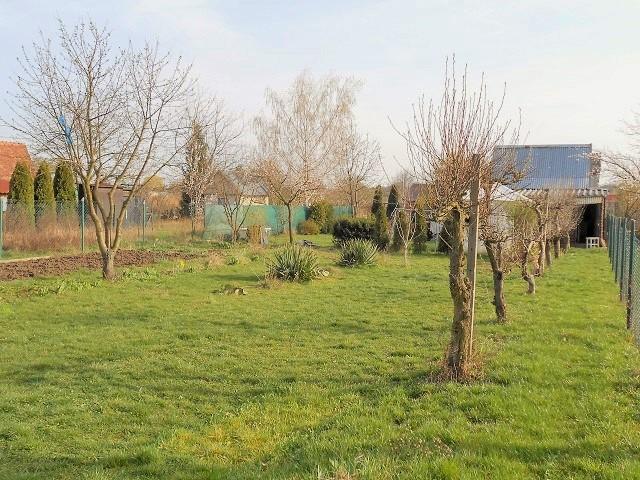 Zahrada, pohled zprava